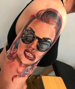 Realistyczny tatuaż kolorowy - Ponton Tattoo