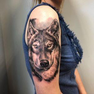 Ponton Szkoła Tatuażu w Swarzędzu -tatuaż wilk znaczenie