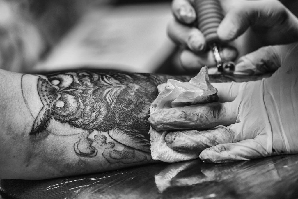 Odpowiedzialność tatuażysty - Ponton Tattoo School