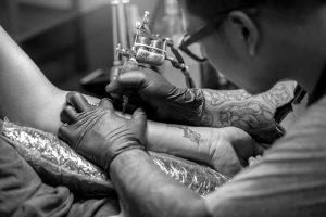 PRAKTYKI DLA ABSOLWENTÓW SZKOŁY TATUAŻU - Ponton Tattoo School